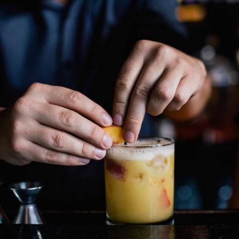 Lej en professionel bartender med erfaring